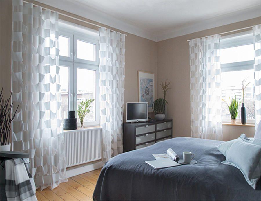 cortina en dormitorio semitransparente